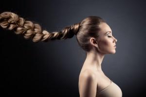 Cheveux longs femme